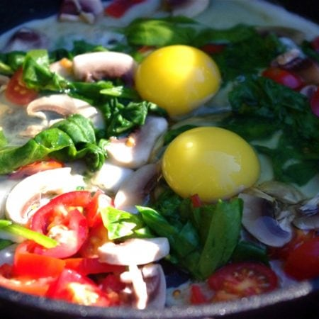 Skillet Eggs & Spinach & More Camping Eats!