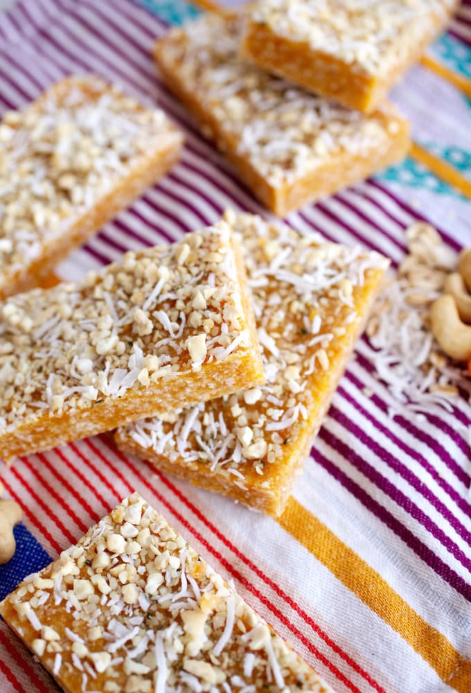 Apricot & Cashew Energy Bars via Nutritionist in the Kitch