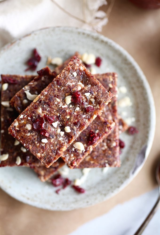 Vegan PB & J Energy Bars via Nutritionist in the Kitch