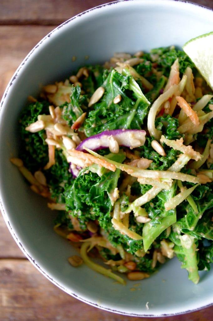 Easy Kale & Broccoli Slaw Rice Bowl with a Spicy Thai Peanut Sauce ...