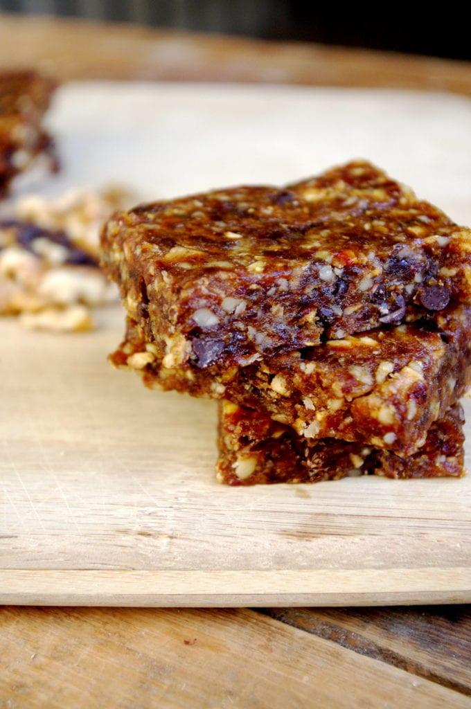 Chocolate Chip Banana Bread Energy Bars (vegan & GF!)