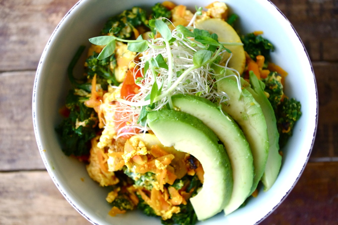 Zen Scramble Quinoa Bowl (gluten free & can be made vegan!)