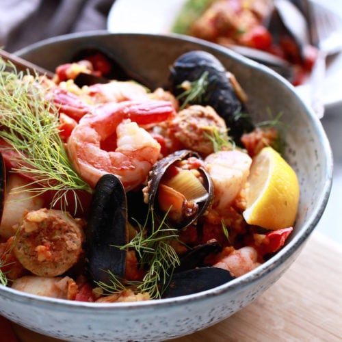 Easy Slowcooker Paella // GF & DF via Nutrition in the Kitch