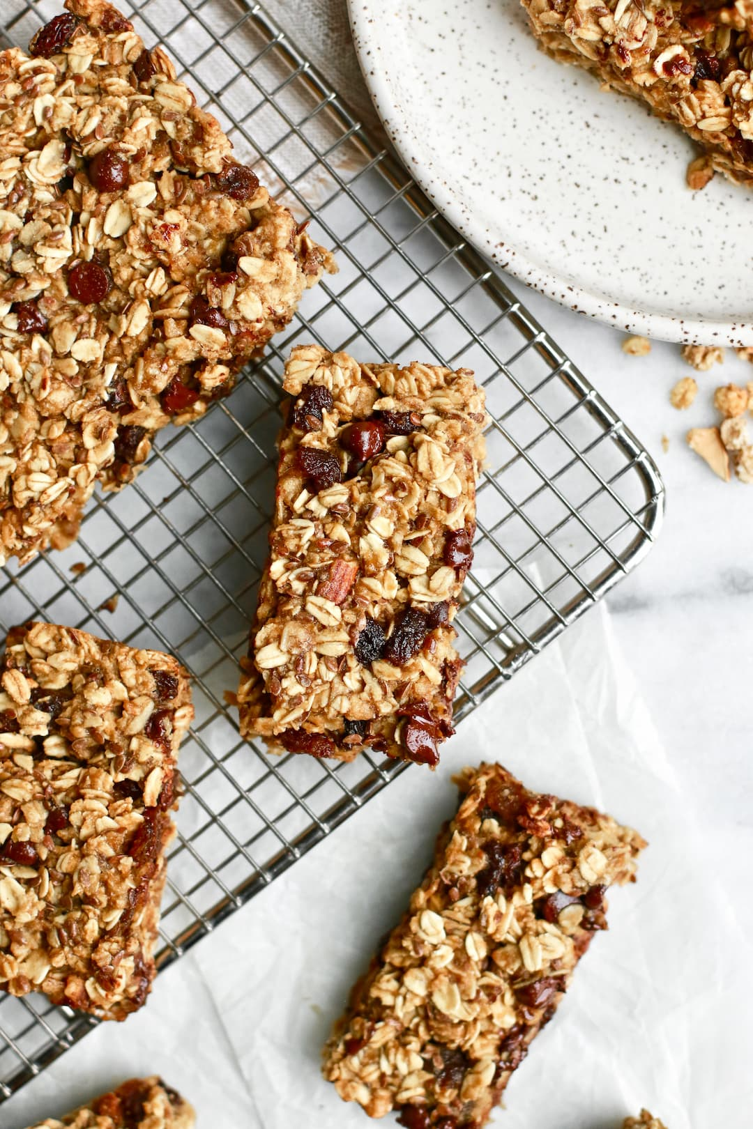 Easy and Healthy Chocolate Chip Granola Bars