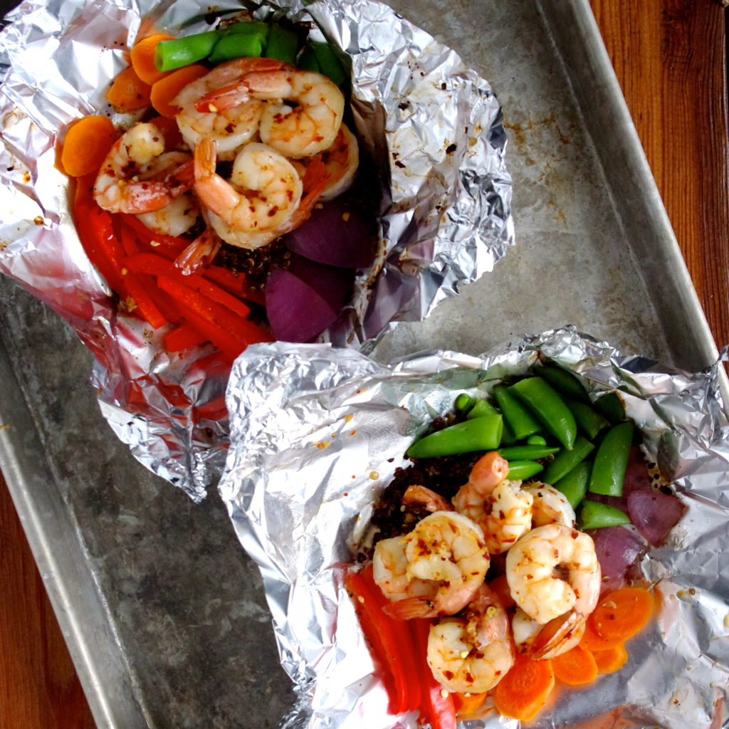 sweet chilli garlic shrimp & quinoa grill packets (great for camping!)