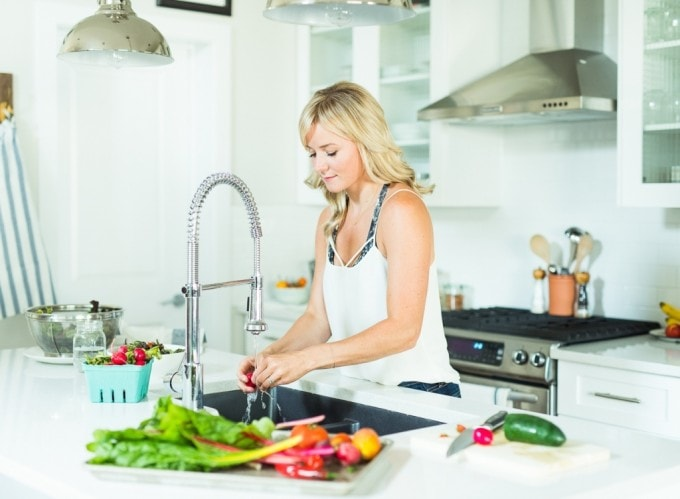 Nutritionist in the Kitch // Christal Sczebel, RHN