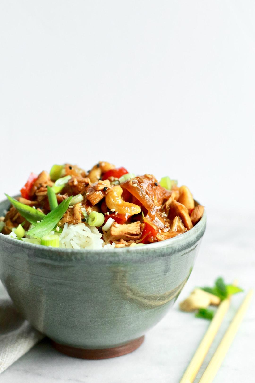 Easy Healthy Crockpot Cashew Chicken