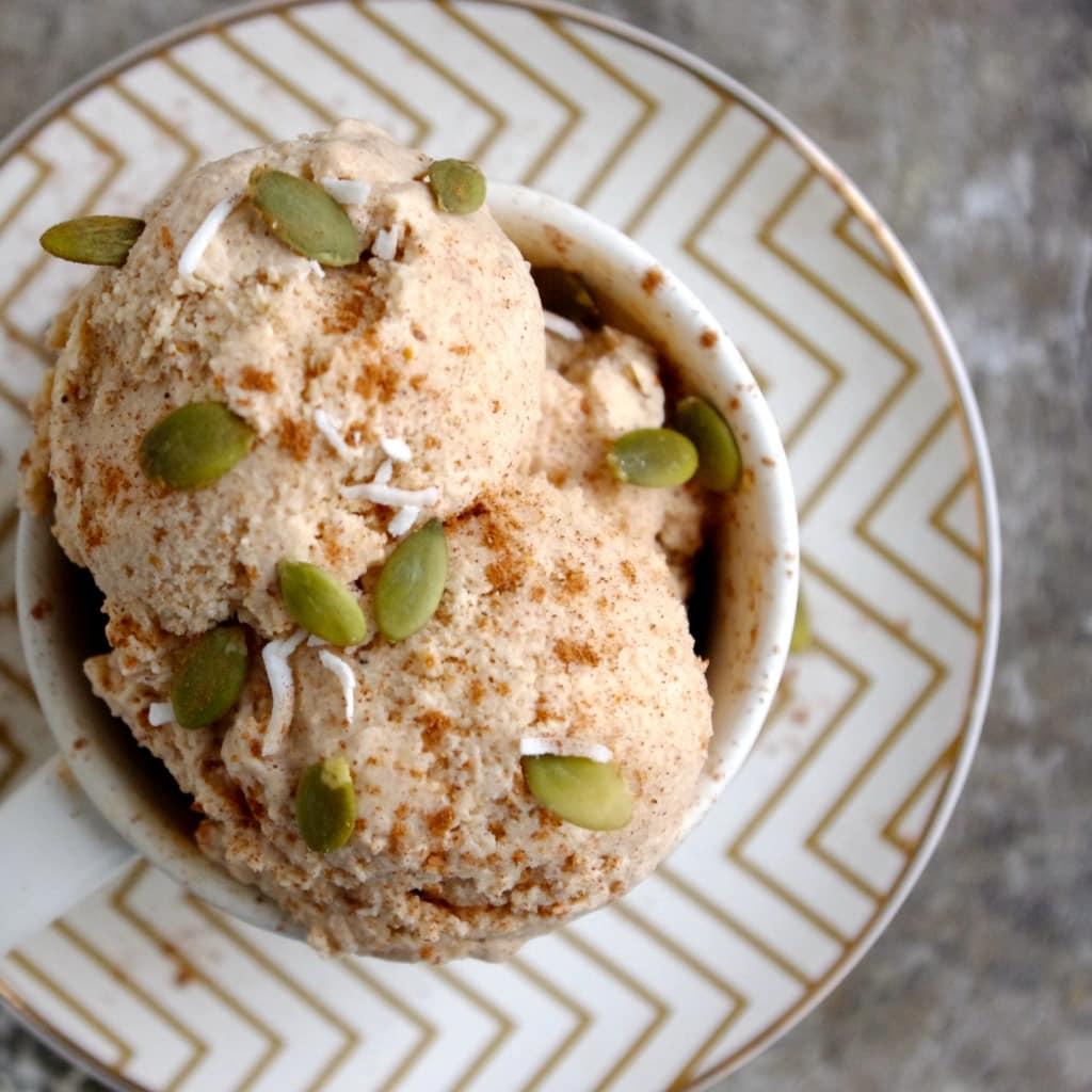 Coconut Pumpkin Ice Cream (Vegan) via Nutritionist in the Kitch