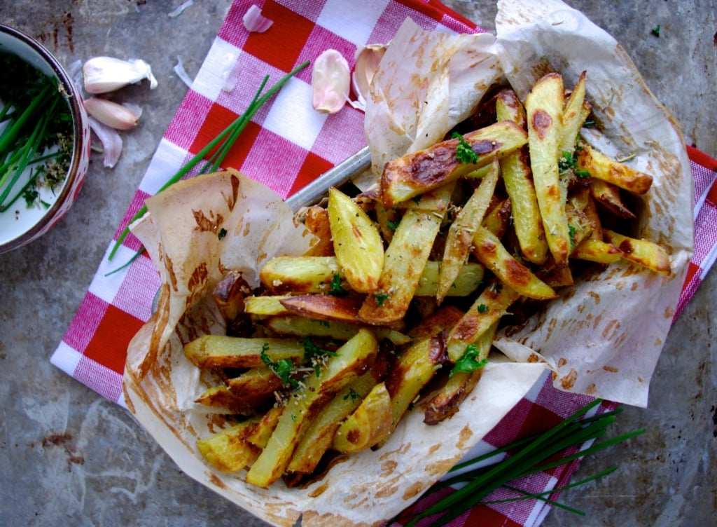 The Best Baked Herb & Garlic Fries EVER via Nutritionist in the Kitch!