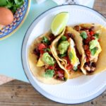 10 Minute Meal // Healthy Huevos Rancheros Tacos