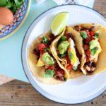 10 Minute Meal // Healthy Huevos Rancheros Tacos