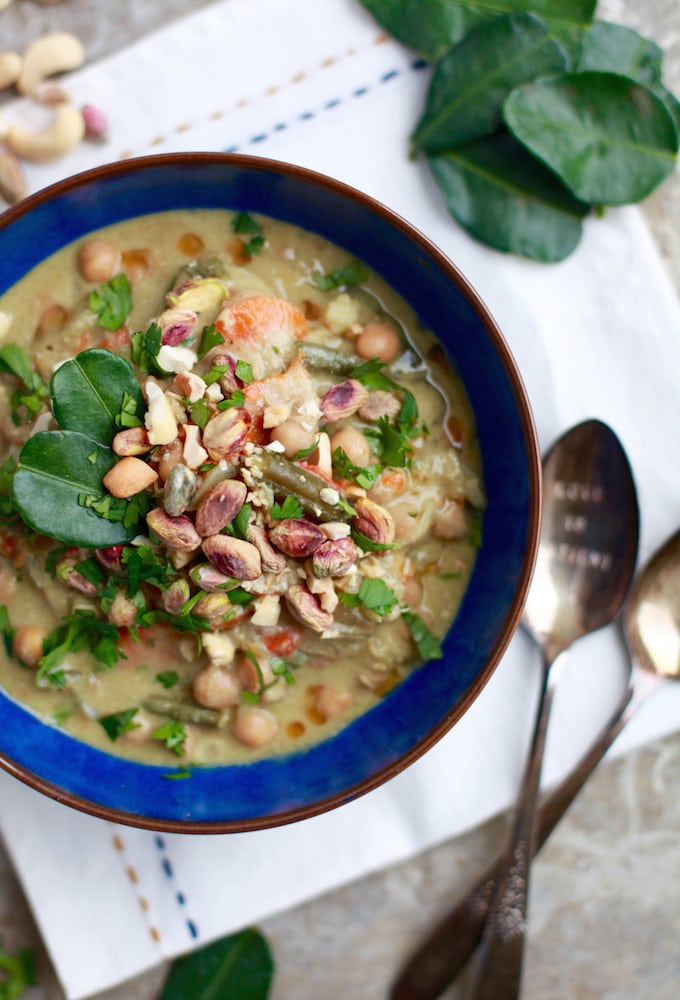 Slow Cooker Thai Green Cashew Chicken Curry via Nutritionist in the Kitch