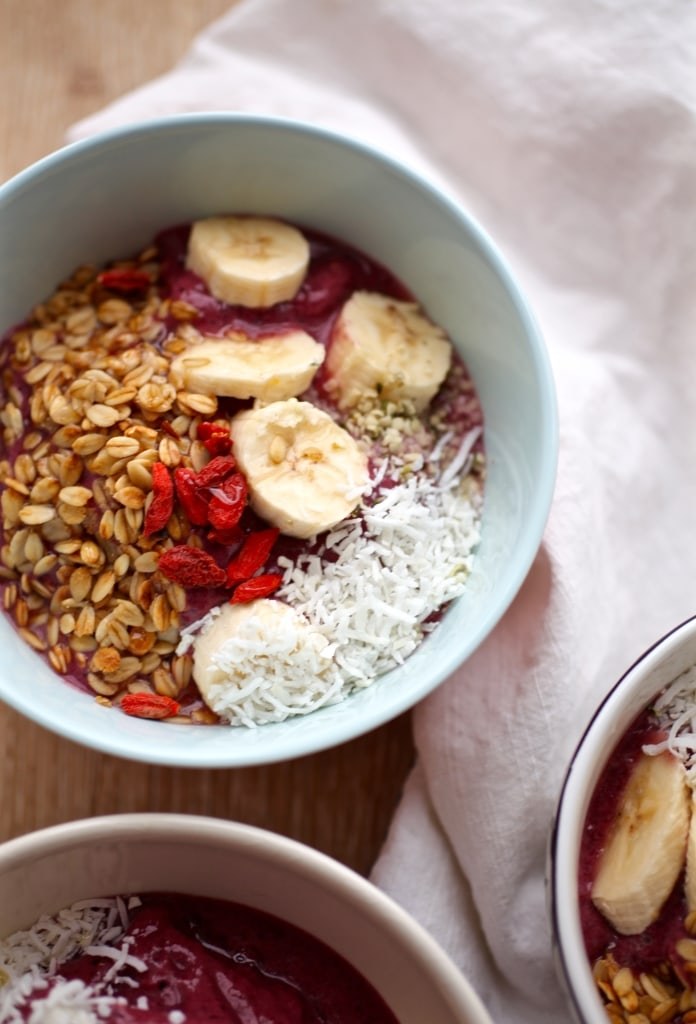 Easy Goji Berry & Hemp Acai Bowls via Nutritionist in the Kitch