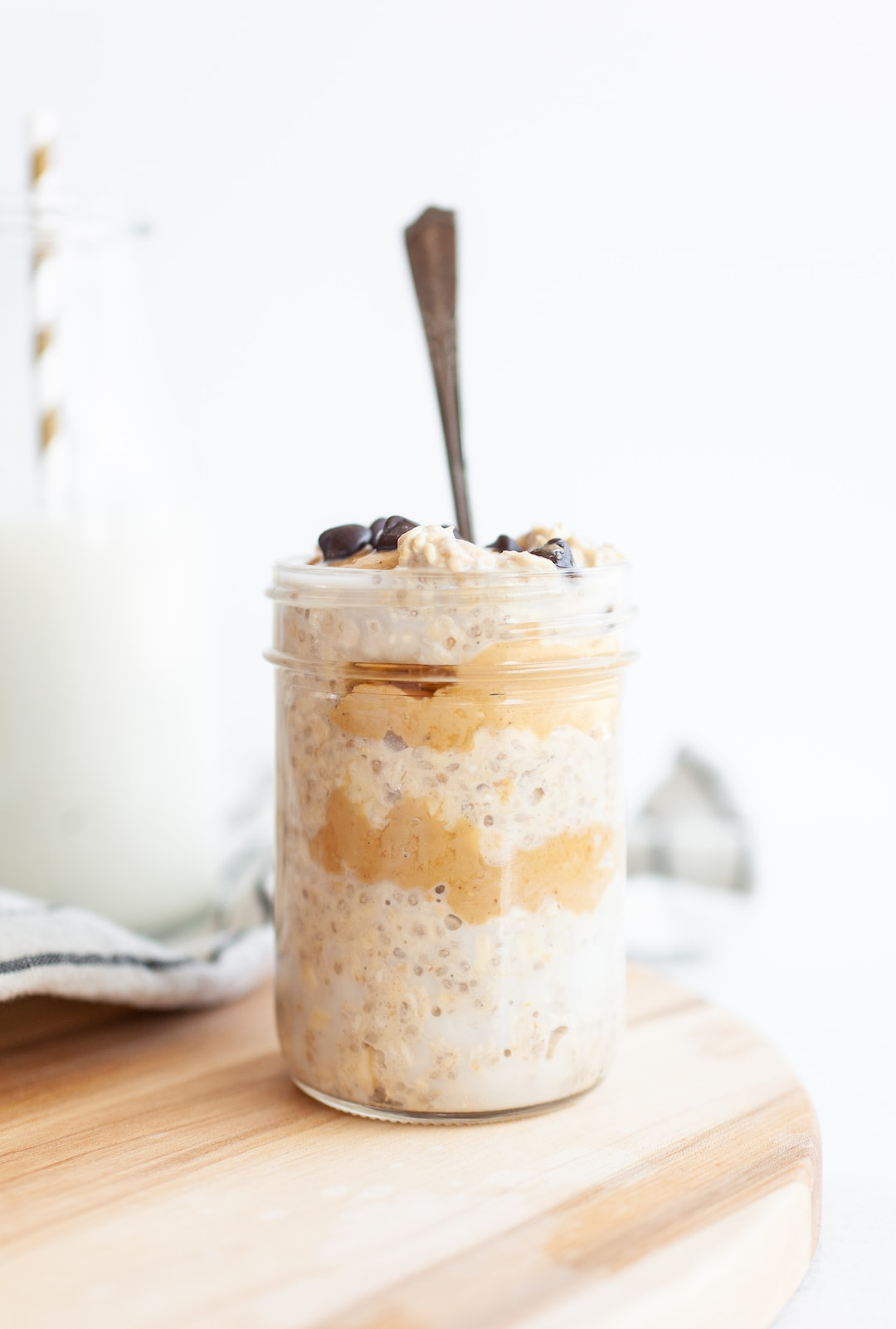 Delicious and Easy Vegan Protein-Packed Cookie Dough Overnight Oats