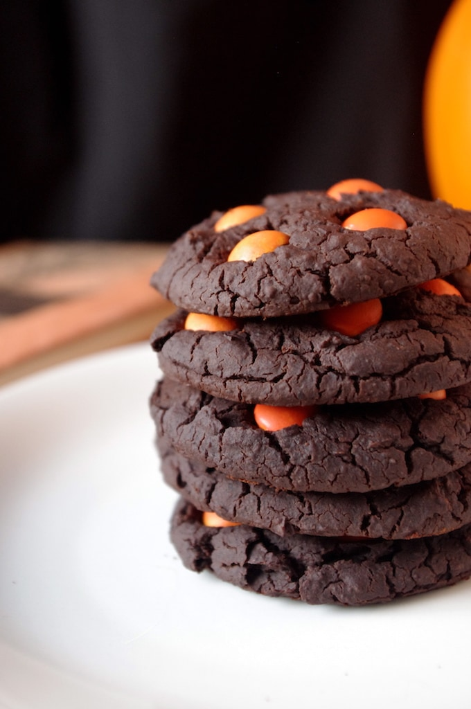 8 Easy & Healthy Halloween Treats for Kids & Adults Alike! - Fudgey Black Bean Cookies via Nutritionist in the Kitch
