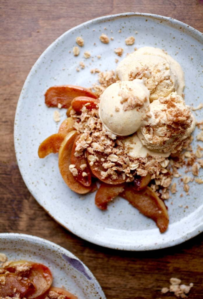 No-Bake Caramelized Apple Crumble with Pumpkin Pie Ice Cream // DF & GF via Nutritionist in the Kitch