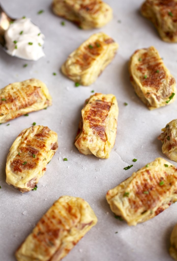 Healthy Baked Herb & Garlic Tater Tots via Nutritionist in the Kitch