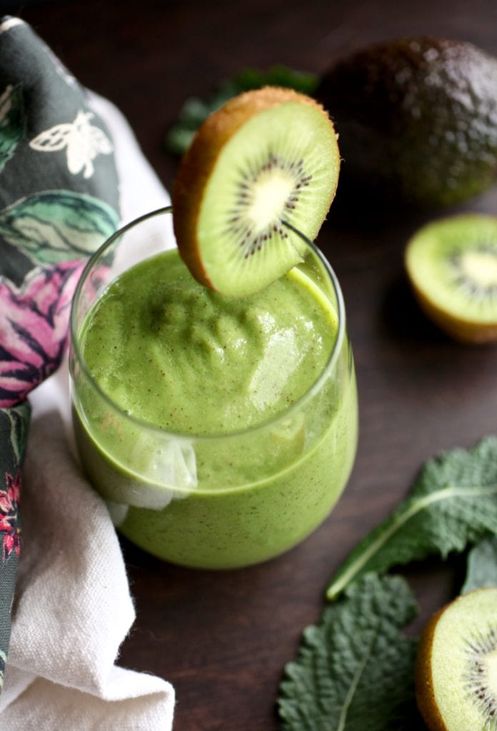 Kale & Kiwi Supercharged Smoothie // NITK Wellness Program January Promo via Nutritionist in the Kitch