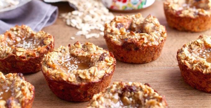 Hemp & Honey Carrot Cake Oat Cups // Gluten & Dairy Free