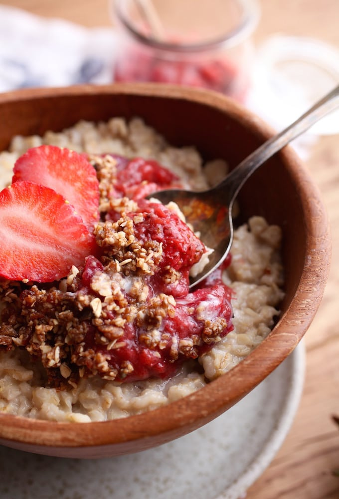 Strawberry Rhubarb Crumble Oatmeal via Nutrition in the Kitch