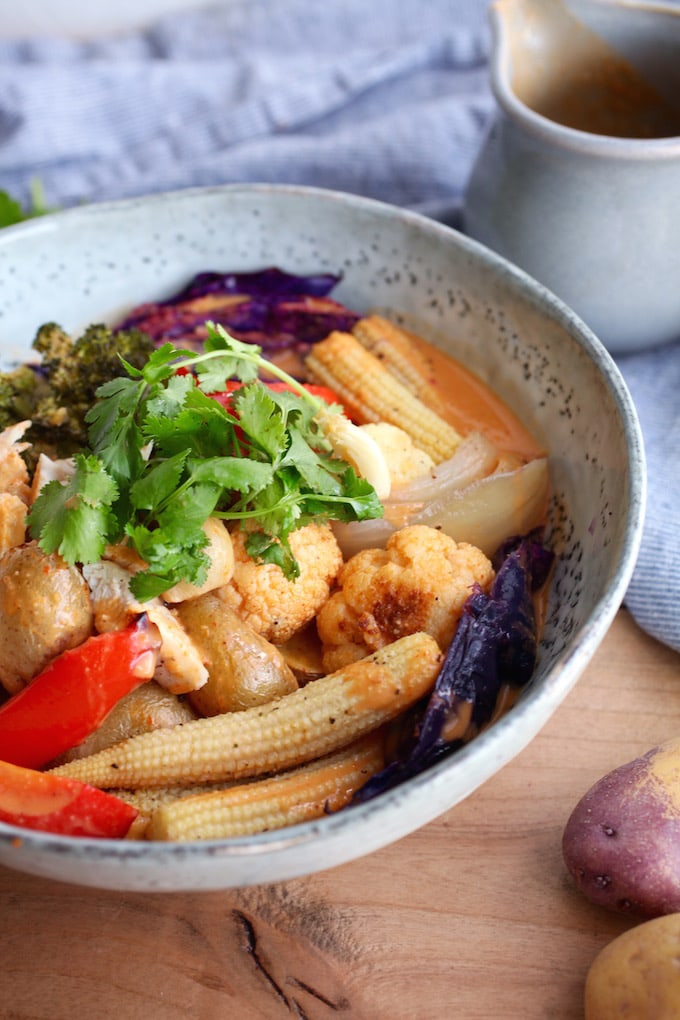 Sheet-Pan Thai Peanut Curry Bowl via Nutrition in the Kitch