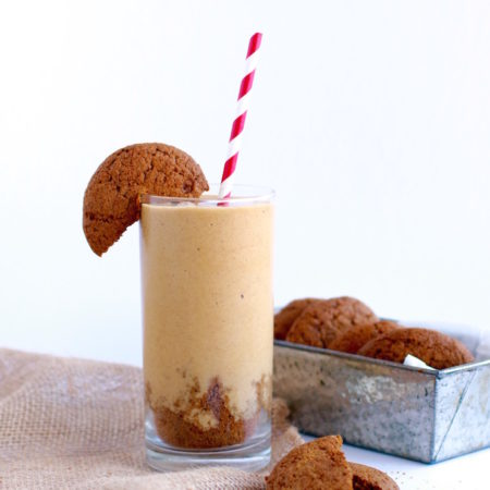 Silky Gingersnap Smoothie via Nutrition in the Kitch // #TastesLikeBetter