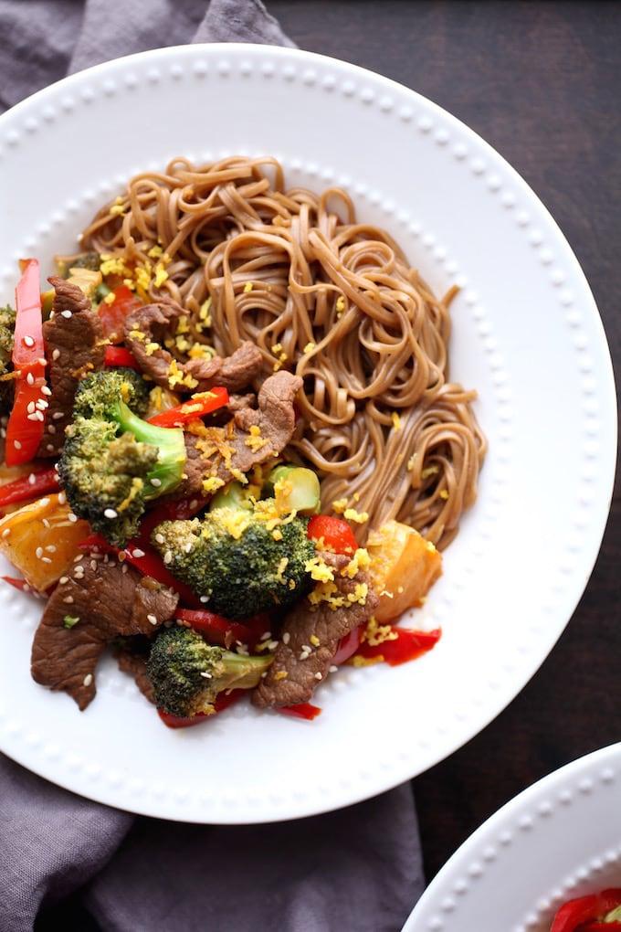 Zesty Orange Beef & Broccoli Power Bowls via Nutrition in the Kitch