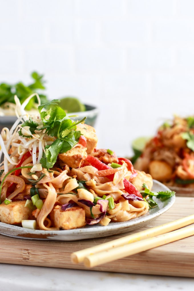 delicious, quick, and healthy gluten free Pad Thai with peanut sauce