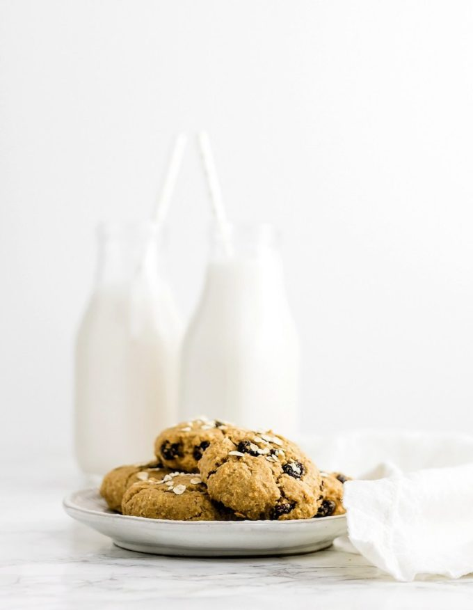 9 Surprisingly Healthy Gluten Free Oatmeal Raisin Cookies // Chewy Gluten Free Oatmeal Cookies via Baked Ambrosia