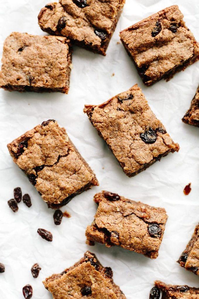 9 Surprisingly Healthy Gluten Free Oatmeal Raisin Cookies // Oatmeal Raisin Cookie Bars via Blissful Basil