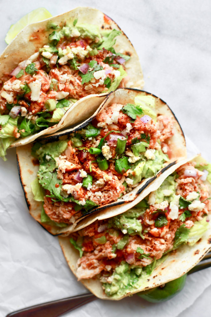 Easy Shredded Chicken Tinga Tacos
