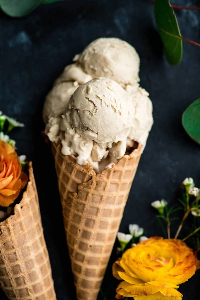 12 Homemade Dairy Free Ice Cream Recipes for Summer // Paleo Vanilla Ice Cream from Joy Food Sunshine