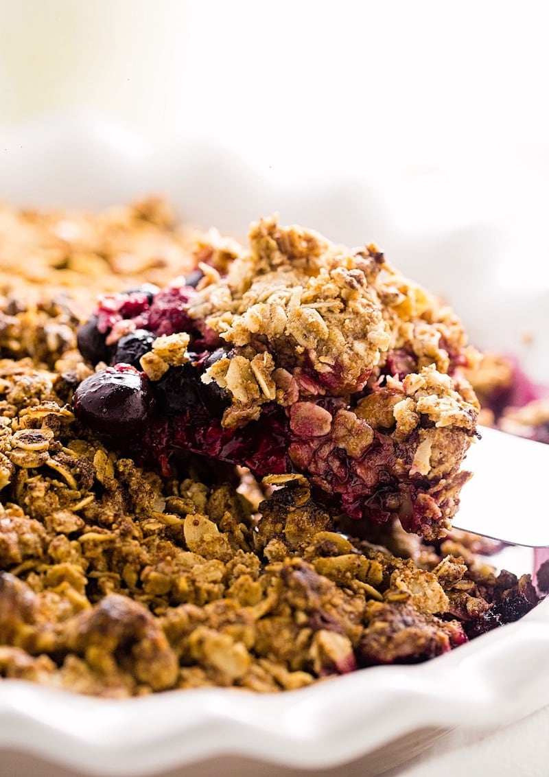 10 Delightful Berry Cobbler and Crumble Recipes