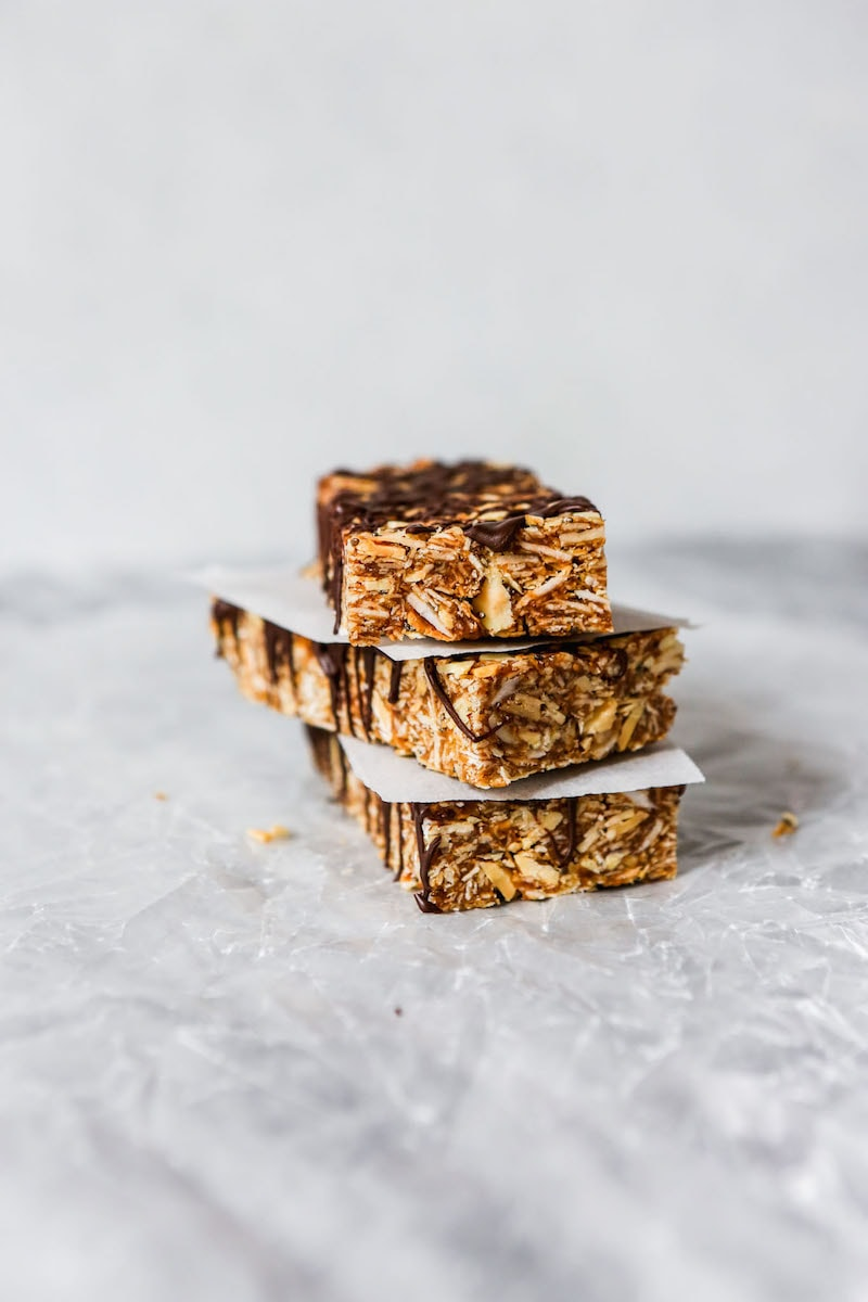 10 Must-Make Healthy Homemade Granola Bars - Naturally Sweetened Chewy Coconut & Date Granola Bars from Zestful Kitchen