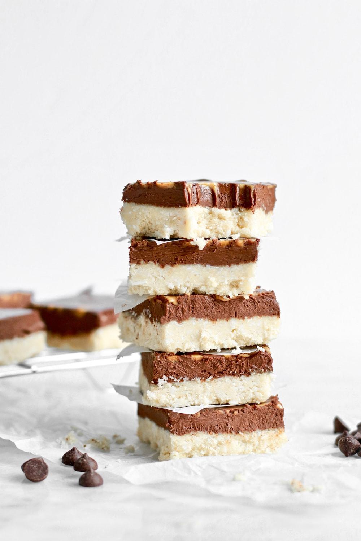 18 Healthy Gluten Free Halloween Treats - Easy Dark Chocolate Fudge Bars