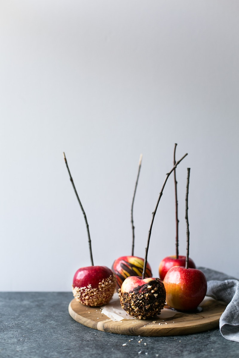 18 Healthy Gluten Free Halloween Treats - Vegan Caramel Apples