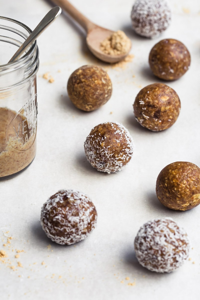 18 Easy Plant-Based Snacks To Try - Toasted Oatmeal Snack Balls