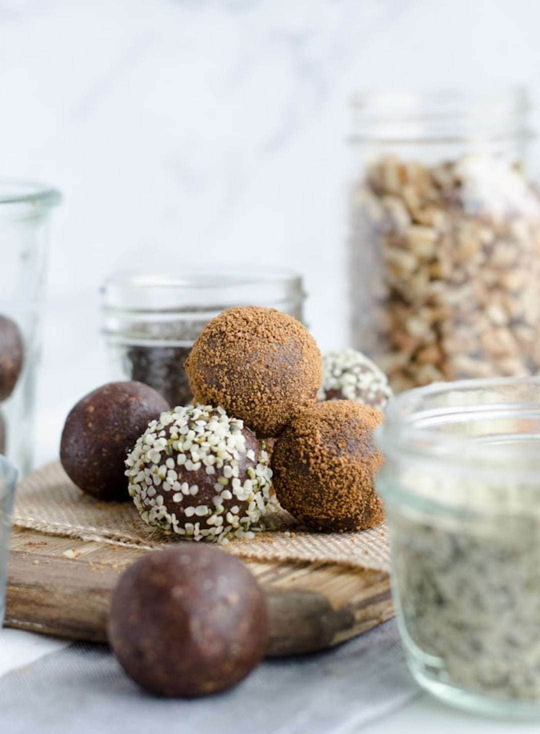 13+ Healthy Recipes with Hemp Hearts - Chocolate Cinnamon Hemp Superfood Balls