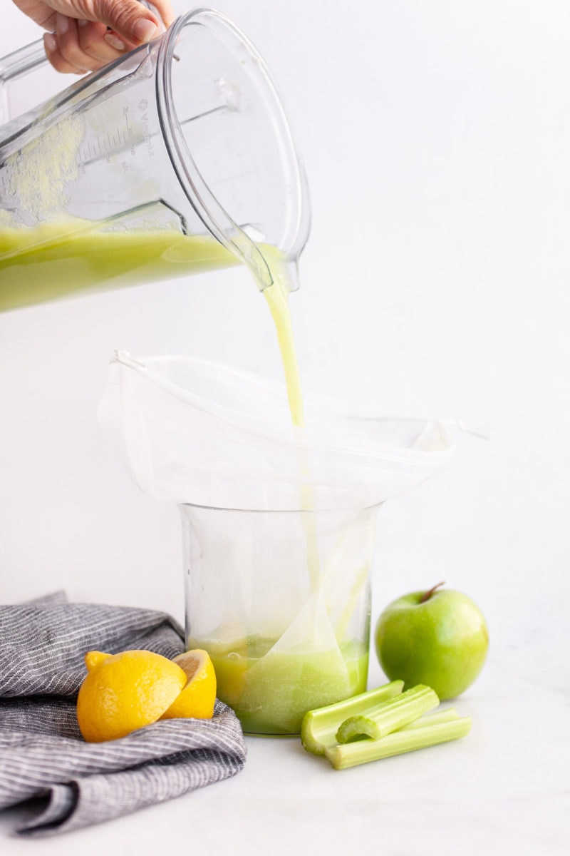 Easy -How To Make Celery Juice in a Vitamix or Blender