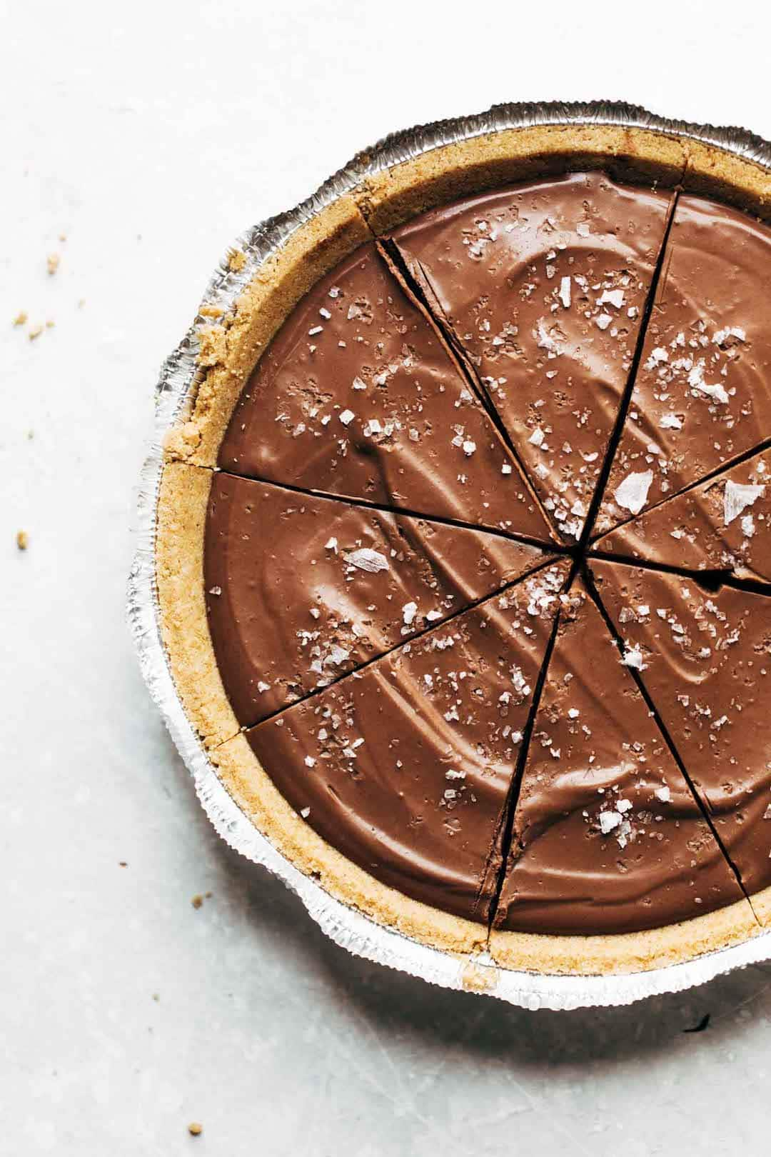 12 Super Easy Plant Based Desserts - Vegan Chocolate Pie