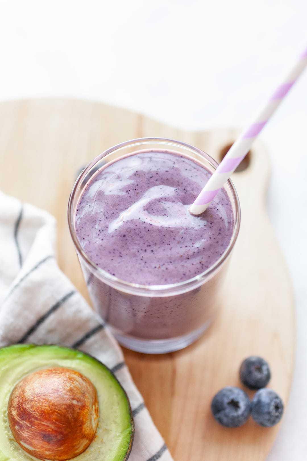 17 Low FODMAP Breakfast Ideas - Blueberry Smoothie