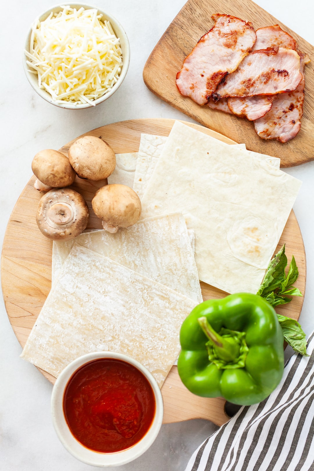 Image of ingredients for air fryer pizza rolls